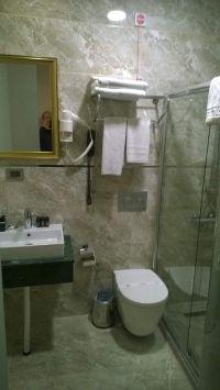 sprcha1_hotel.jpg